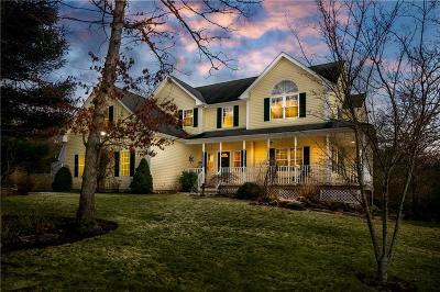 South Kingstown Single Family Home Act Und Contract: 20 Caitlin Ct