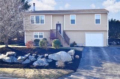 Cranston Single Family Home For Sale: 4 Red Berry Cir