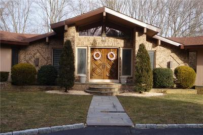 Providence County Single Family Home For Sale: 151 Harris Rd
