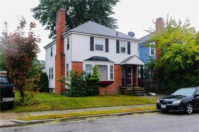 Providence Single Family Home For Sale: 29 Maplehurst Av