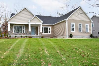 North Kingstown Single Family Home For Sale: 131 Brigade Drive