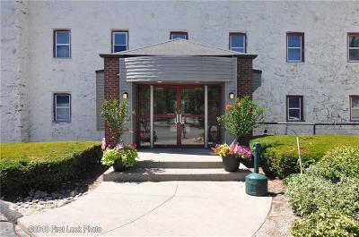 North Providence Condo/Townhouse For Sale: 494 Woonasquatucket Av, Unit#412 #412