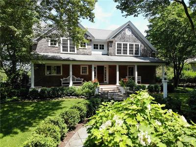 Jamestown Single Family Home For Sale: 78 Whittier Rd