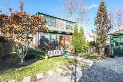 Newport County Single Family Home For Sale: 34 Gibbs Av