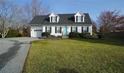 Newport County Single Family Home For Sale: 13 Beacon Ct
