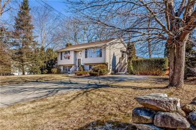 Cranston Single Family Home Act Und Contract: 137 Canonchet Trl