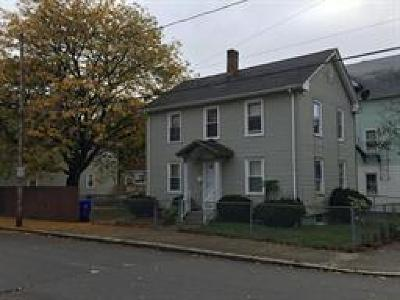 Pawtucket Single Family Home For Sale: 92 Knowles St