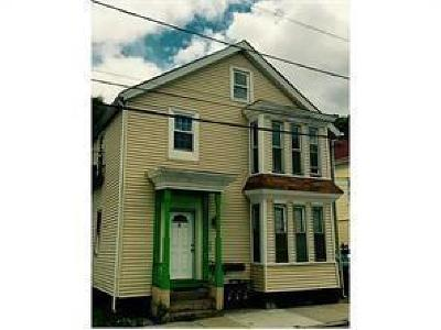 Providence Multi Family Home For Sale: 39 Vandewater St
