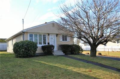 East Providence Single Family Home For Sale: 116 Hazard Av