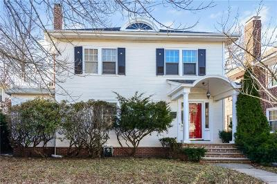 Providence County Single Family Home For Sale: 167 Evergreen St