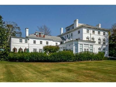 Newport County Condo/Townhouse For Sale: 519 Bellevue Av, Unit#3n #3N