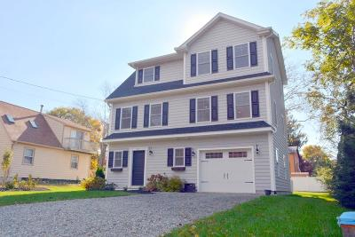 Newport County Single Family Home For Sale: 57 Stern St