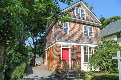 Newport RI Single Family Home For Sale: $660,000