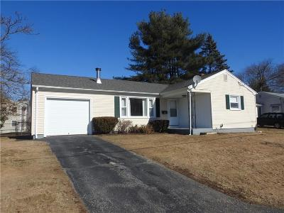 Providence County Single Family Home For Sale: 47 Robin Hood Dr