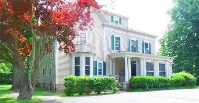 Newport Condo/Townhouse For Sale: 446 Bellevue Av, Unit#6 #6