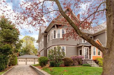 East Side Of Prov RI Single Family Home For Sale: $675,000