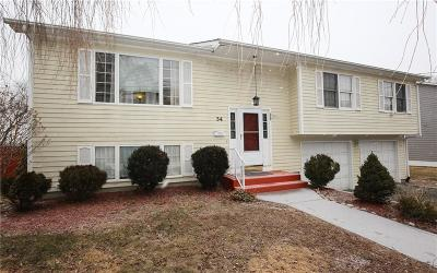 Cranston Single Family Home For Sale: 34 Curry Rd