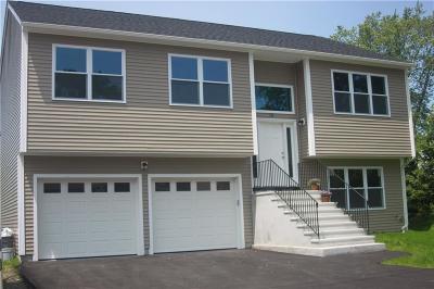East Providence Single Family Home For Sale: 115 Earl Av