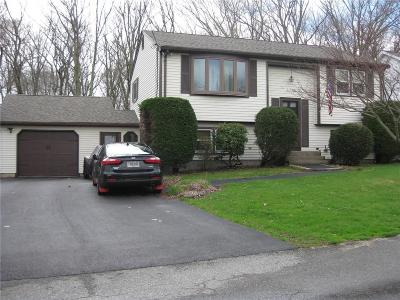 Cranston Single Family Home For Sale: 42 Seminole Trl