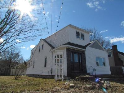 Cranston Single Family Home For Sale: 302 Aqueduct Rd