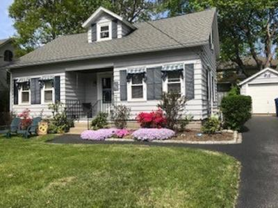 East Greenwich Single Family Home For Sale: 45 Mawney St