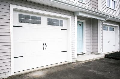 Middletown Condo/Townhouse For Sale: 27 Mariner Wy