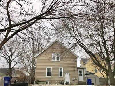 Pawtucket Single Family Home For Sale: 19 Lodi St
