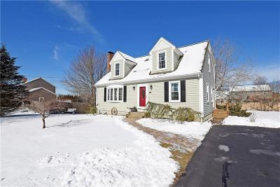 Seekonk Single Family Home Act Und Contract: 49 Wagonwheel Rd