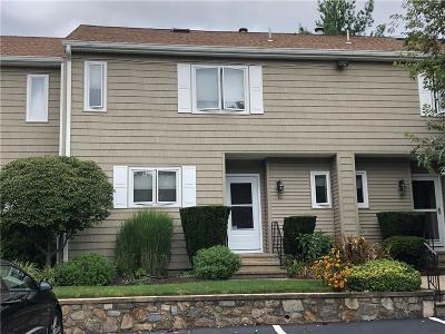 Glen Woods Condo/Townhouse For Sale: 100 Hoffman Avenue #16
