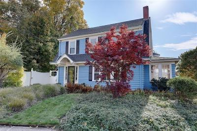 Pawtucket Single Family Home For Sale: 170 Ridge St