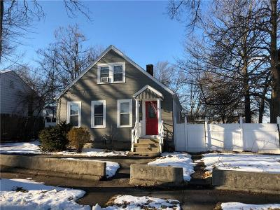 Providence Single Family Home For Sale: 17 Kentland Av