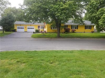 Bristol County Single Family Home For Sale: 40 Elmwood Dr