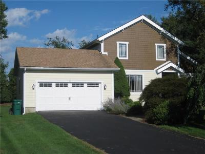 Newport County Single Family Home Act Und Contract: 30 Almy Knoll Ter