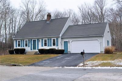 North Kingstown Single Family Home For Sale: 20 Daniel Dr