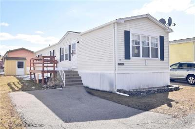 Middletown Single Family Home For Sale: 92 Bay View Park
