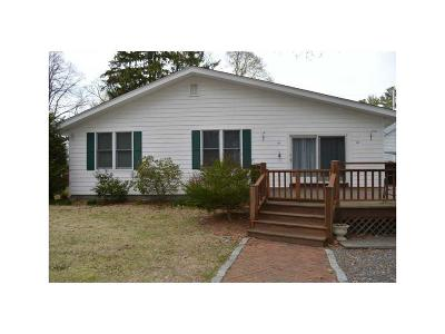 Bristol County Single Family Home For Sale: 11 Calder Dr