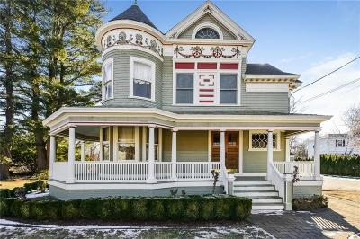 North Attleboro Single Family Home For Sale: 238 S Washington St