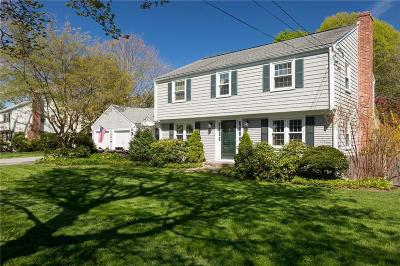 Bristol County Single Family Home For Sale: 4 Ridgewood Rd