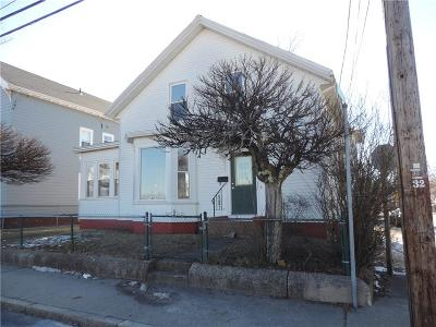 Cumberland Single Family Home For Sale: 318 High St