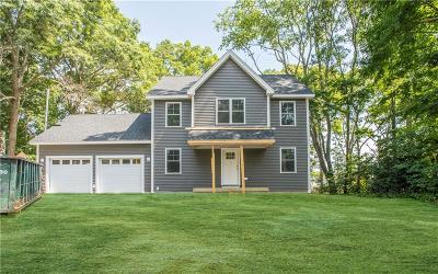 Bristol County Single Family Home For Sale: 7 Sheraton Rd