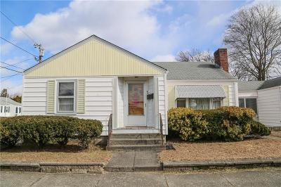 Pawtucket Single Family Home For Sale: 26 Gilmore St