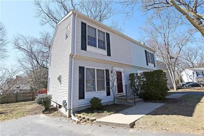 East Providence Condo/Townhouse Act Und Contract: 34 Riverwoods Ct, Unit#34 #34