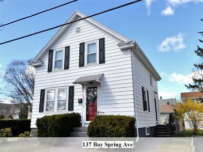 Bristol County Single Family Home For Sale: 137 Bay Spring Av