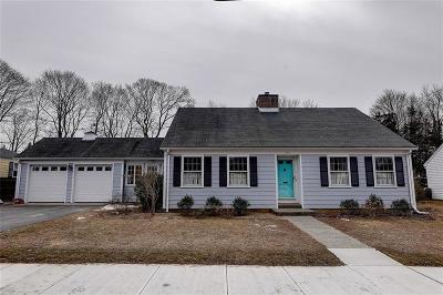 Bristol County Single Family Home Act Und Contract: 23 Dyer St