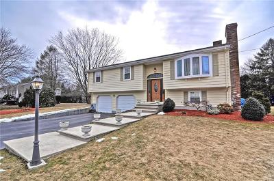 Seekonk Single Family Home Act Und Contract: 157 King Philip Rd