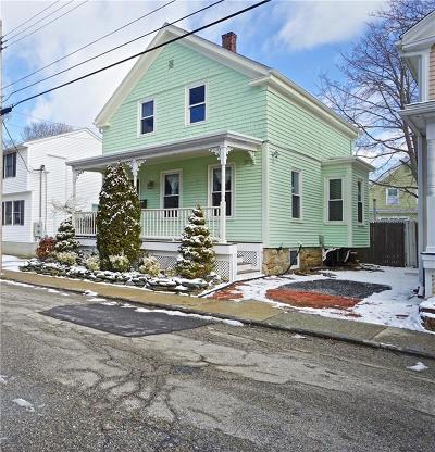 Newport County Single Family Home Act Und Contract: 11 - 1/2 Tilley Av