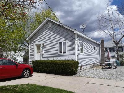 Cranston Single Family Home For Sale: 52 Tweed St
