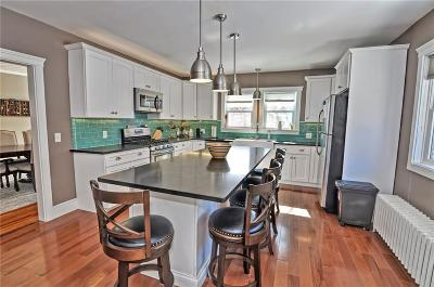 Somerset MA Single Family Home For Sale: $349,900