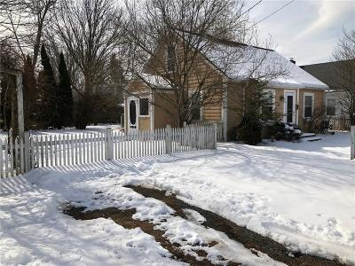 Bristol County Single Family Home Act Und Contract: 7 Whipple Av