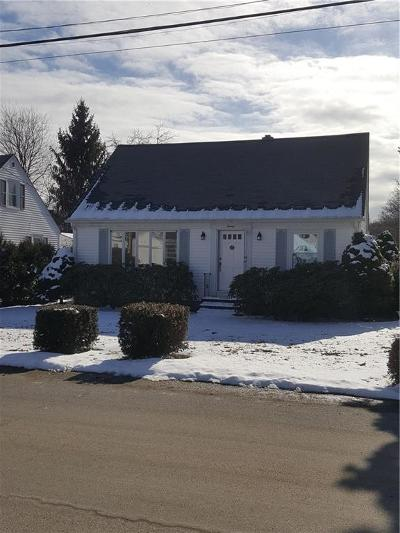 West Warwick Single Family Home For Sale: 20 Hopedale Dr